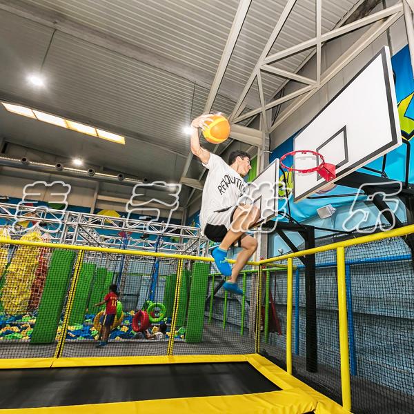 大型蹦床公园和传统游乐园的差异是什么呢爱游戏体育?